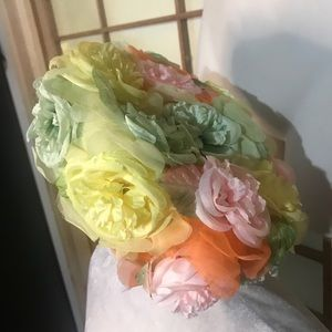 Vintage 1960s flower pillbox hat pastels